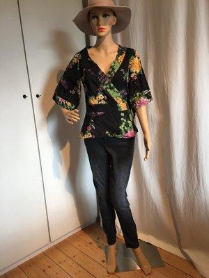 Bluse, spanischer Stil, mittellanger arm, grundfarbe schwarz, blumig