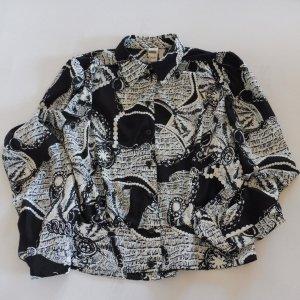 Bluse von Frankenwälder in schönen schwarz-weiß Print