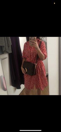 Shirtwaist dress red