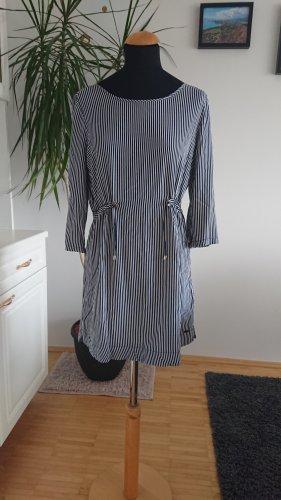 Broadway Robe chemisier blanc-bleu foncé
