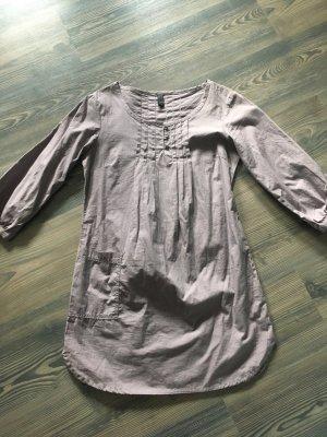 Blusenkleid