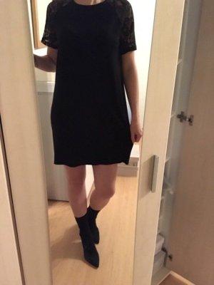 Blusenkleid mit spitze von asos
