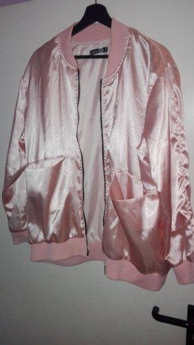 Chaqueta estilo universitario rosa