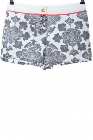 Boden Hot Pants abstract pattern casual look