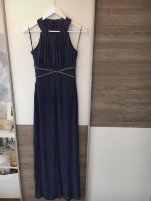 Bodenlanges Abendkleid mit silbernen Details