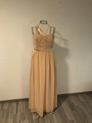 Bodenlanges Abendkleid von Marie Lund