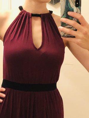 Bodenlanges dunkelrotes Kleid