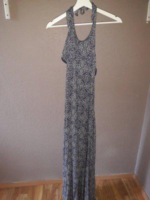 bodenlanges Kleid mit Muster und Cutouts