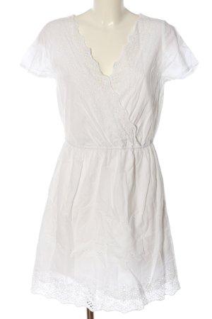 BODY FLIRT Robe à manches courtes blanc cassé style décontracté