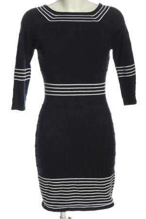 BODY FLIRT Robe pull noir-blanc motif rayé style décontracté