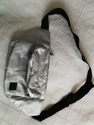 Bodybag von Urban Classics