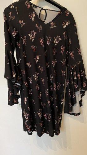 BODY FLIRT Vestido cut out negro-rosa