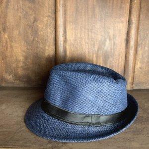 keine Chapeau de paille bleu