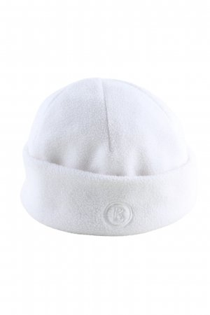 Bogner Gorro blanco letras bordadas look casual