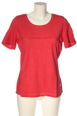 Bogner Jeans Camiseta rojo look casual