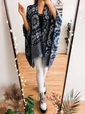Urban Outfitters Knitted Poncho multicolored