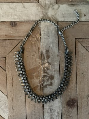 Boho Kette von Urban Outfitters