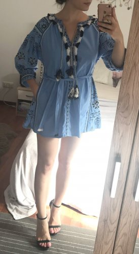 Vestido tipo túnica azul celeste