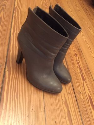5 th Avenue Zipper Booties grey leather
