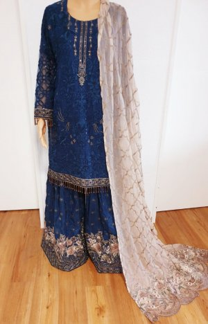 Bollywood Fancy Embroidered Hochzeit Kleidung