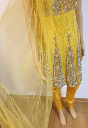 Aus Indien Sukienka z baskinką srebrny-żółty