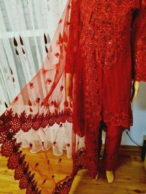 Aus Indien Sukienka z baskinką ciemnoczerwony