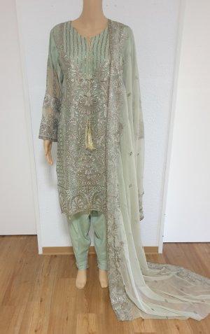 Aus Indien Sukienka z baskinką szaro-zielony