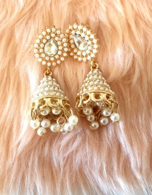 Pendientes de perlas color plata