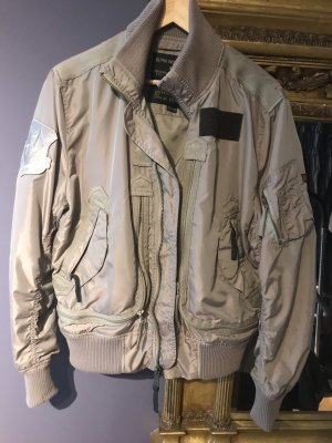 Alpha Industries Bomberjack oker
