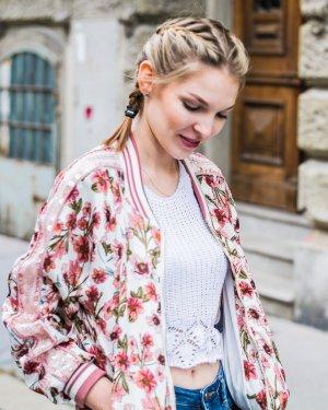 Bomberjacke / Blouson mit Blumenmuster und Pailetten Rosa-Weiß S/M