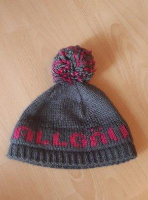 Sombrero de punto marrón grisáceo-rosa