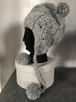 Bonnet cache-oreilles gris