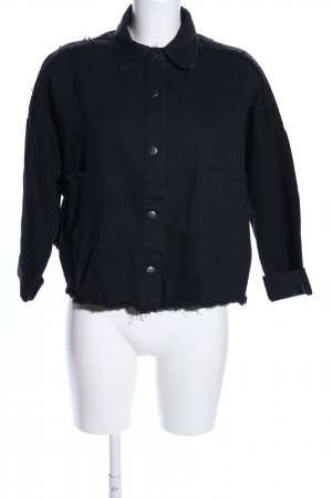 Boohoo Jeansbluse schwarz Schriftzug gedruckt Casual-Look
