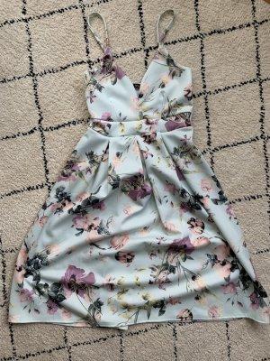 Boohoo Sukienka z rękawem balonowym liliowy-baby blue