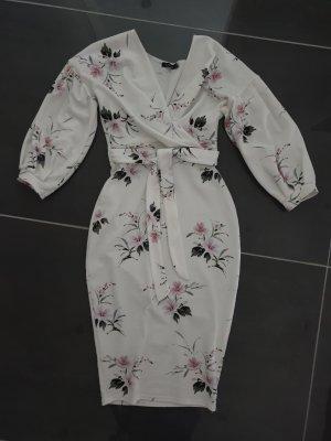 Boohoo Kleid weiß flower Gr. 36
