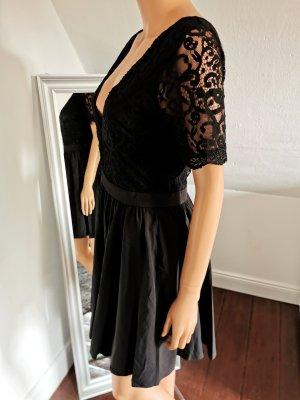 Boohoo Kanten jurk zwart