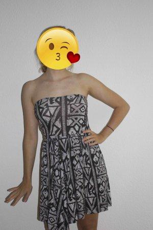 Boohoo Off-The-Shoulder Dress white-black polyester