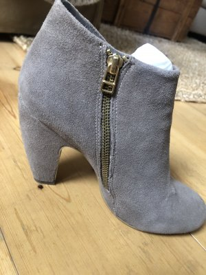 Boot in Taupe