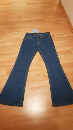Bootcut Jeans mit Taille 28