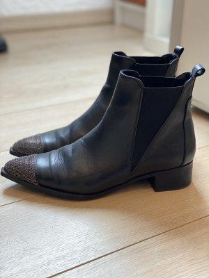 Boots aus Leder mit metallic Spitze, Gr. 4o