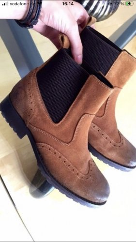 Boots Belmondo