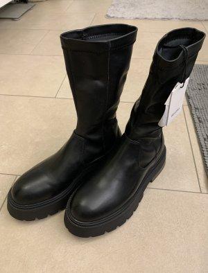 Boots Bershka