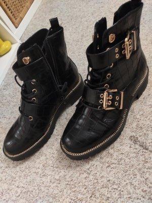 Asos Winter Boots black