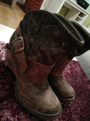 Boots Feud