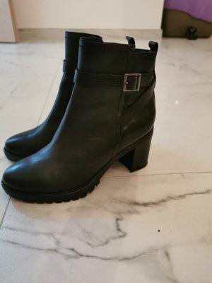 5 th Avenue Short Boots black