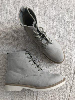 Boots / hellgrau / Gr. 39 / NEU