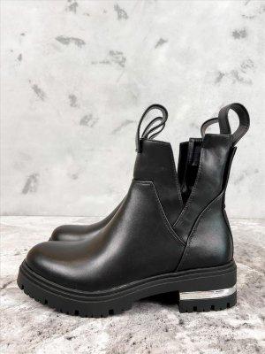 Boots in schwarz