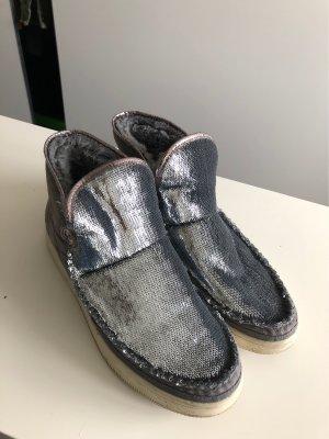 Boots Lammfell Pailetten