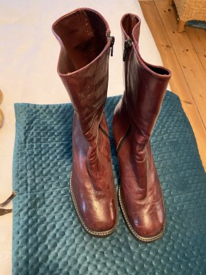 Boots leather