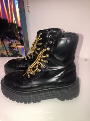 Boots PULL&BEAR